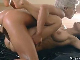 Strapless-fun pussy is happy pussy